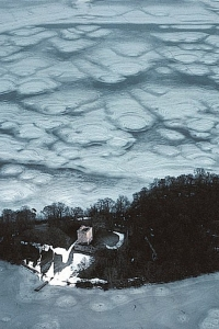 SH11 Castle Island & cracking ice, Loch Leven